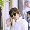 Vanessa: Zac Efron || Aviators