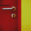 ``la porte rouge.