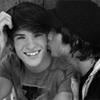 ri and tay kisses