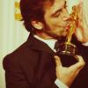 Bardem - Kissing the Oscar