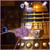 Knitting Dalek (lazulisong)