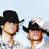 hoolia goolia: SPN - J2 wondertwink cowboys unite
