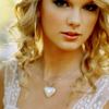 TAYLOR - heart necklace