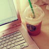 Shannon  シャノン: 飲み物: starbucks coffe + laptop