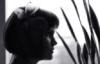 Леся Дремова: ч/б с бабочкой на голове