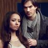 Ella: Bonnie/Damon-hand on shoulder