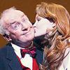 womanonarampage: finian's :: kiss