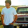 clarkoholic: SV: Clark (white tee truck)