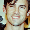 Peter Petrelli: crazy crooked grin