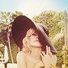 Laura: [actresses] Kristen Bell hat!