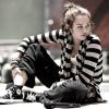 Miley: Sitting