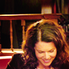 Lorelai Gilmore: happy: when she smiles