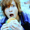 araine: yamapi can haz cheeseburger
