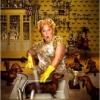 Funnybannany: housewife